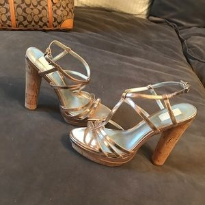 EUC Ann Taylor Rose Gold heeled sandals Sz8